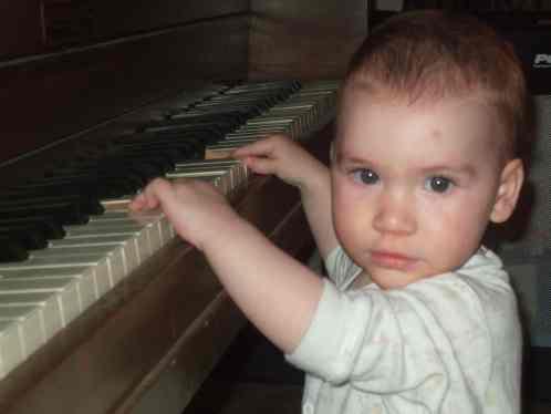 1. ada piano